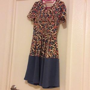 Midi dress with side hidden pockets